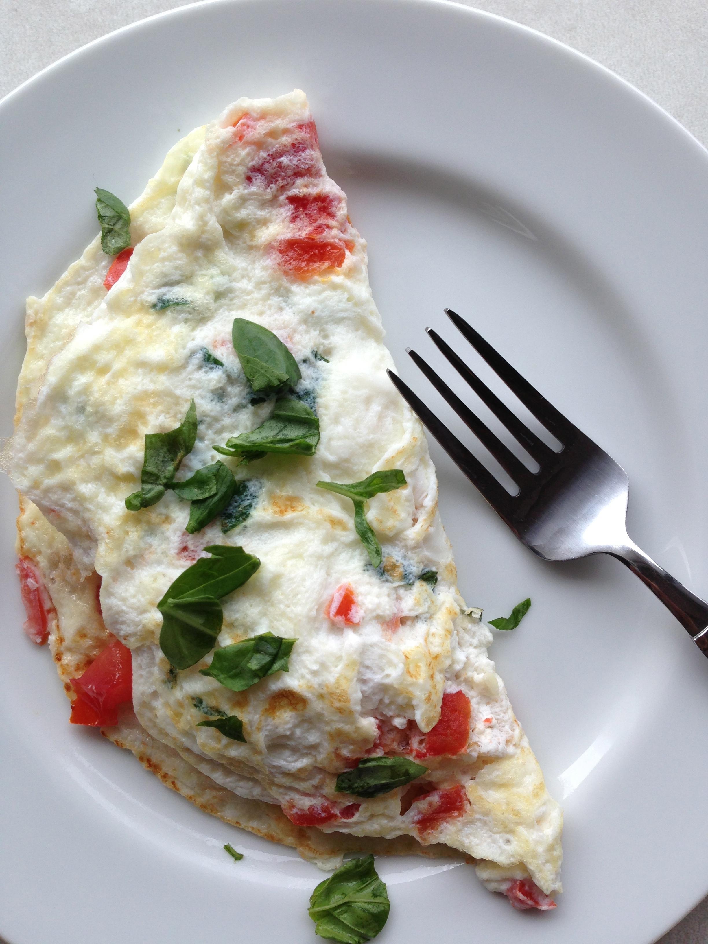 recipe: spinach, tomato, and feta egg white omelette [8]..